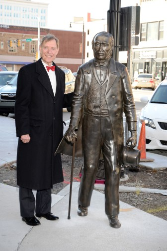 Jerry Farley Ichabod statue