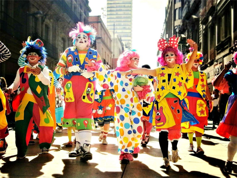sina_clowns-pixabay