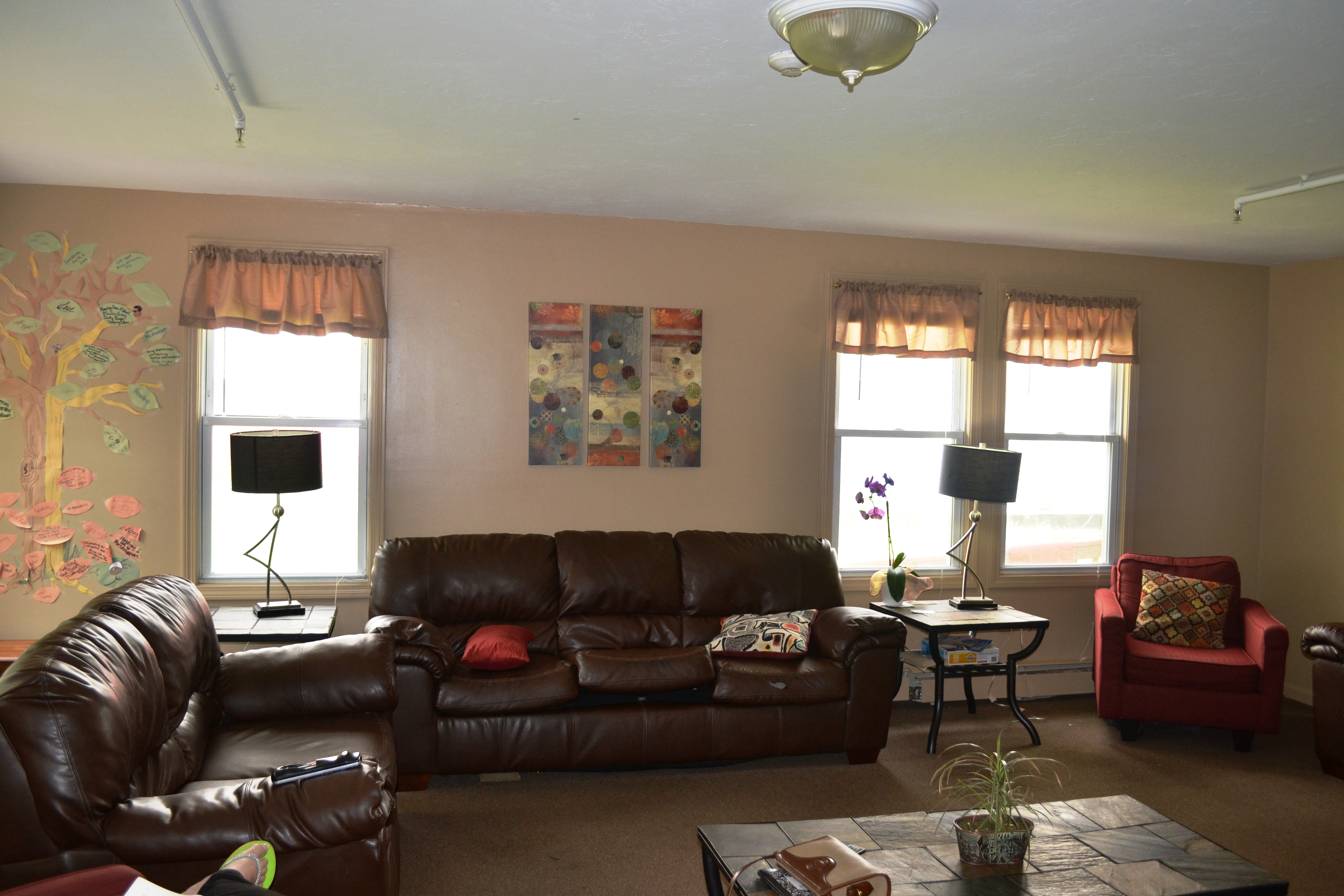 A main common area provides warmth and comfort for those at Beryl's House.