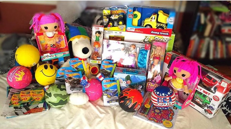 Worcester State student Lyndzey Tefft has put together a toy drive to benefit a Costa Rican nonprofit where she recently volunteered.