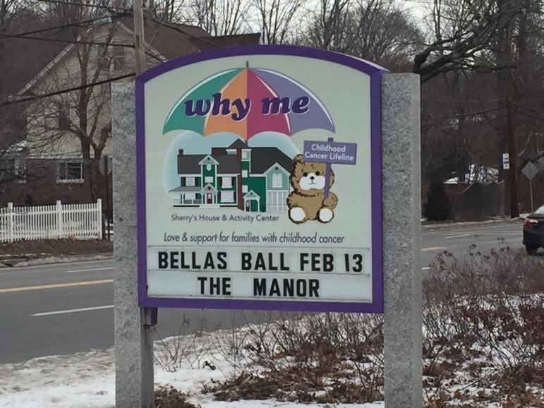 bellaballsign