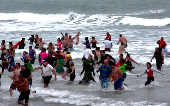 2013 Polar Plungers at Nantasket Beach in Hull