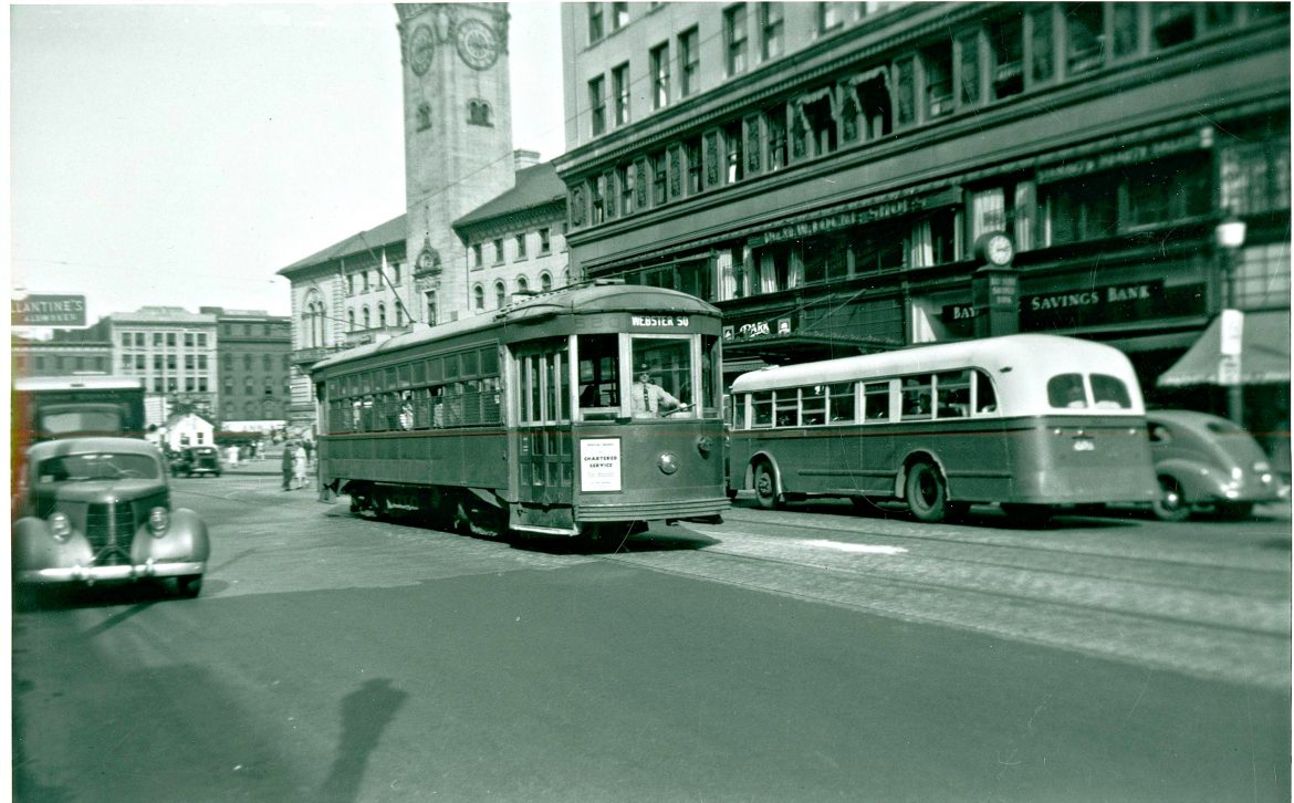 In the 1940s, both trolley and bus transportation were run by the Worcester Street Consolidated Railway Company (September 1945, Main Street at Franklin).